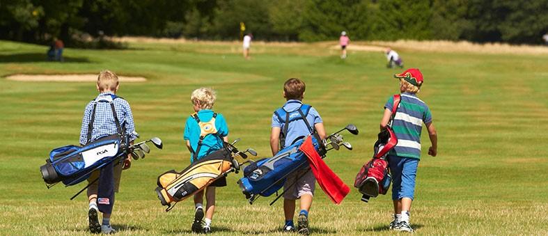 Palos de golf a medida y jugadores juniors