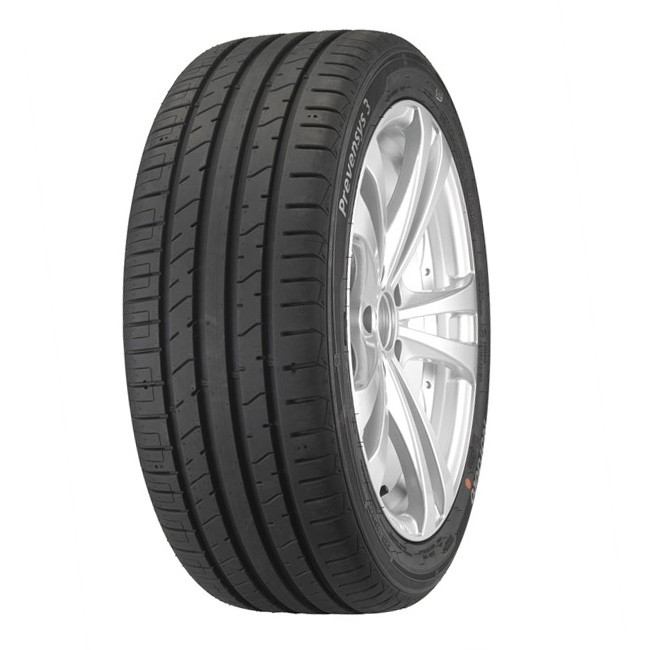 Ranuras en un neumático de un coche